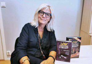 GRILLFEST: Beinet i den nye boka til Lene Lauritsen Kjølner, «Damen i proseccotåken» viste seg å stamme fra en grillfest.